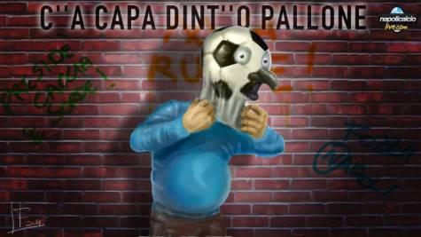 Cu-a-capa-dinto-pallone