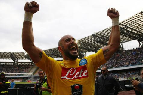 Napoli's Spanish goalkeeper Pepe Reina celebrates at the end of the Italian Serie A football match SSC Napoli vs ACF Fiorentina on October 18, 2015 at the San Paolo stadium in Naples. Napoli won 2-1. AFP PHOTO / CARLO HERMANN (Photo credit should read CARLO HERMANN/AFP/Getty Images)