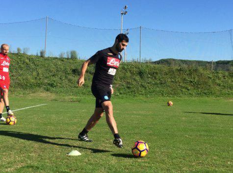 Napoli, Albiol febbricitante: è in dubbio contro il Sassuolo