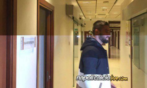 Pavoletti al Napoli: firmato il contratto
