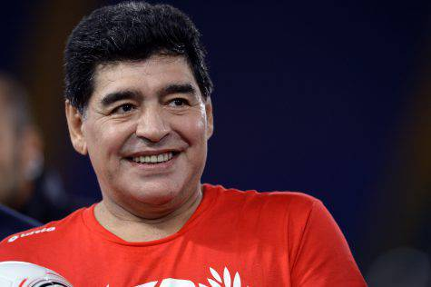 Higuain contro Maradona: