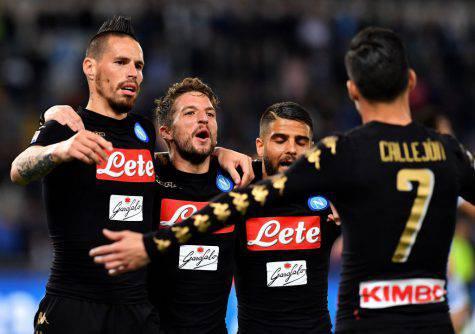 Napoli-Juve è grigi contro gialli: