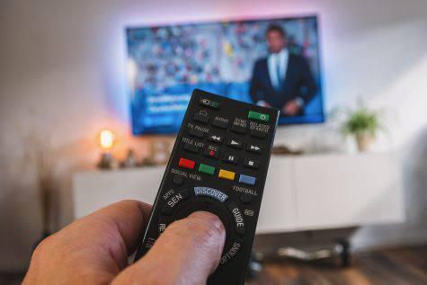 Gli eventi stasera domenica 8 aprile in onda su Rai e Mediaset