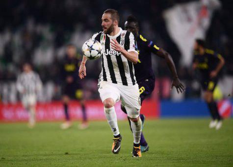 Higuain, addio al calcio
