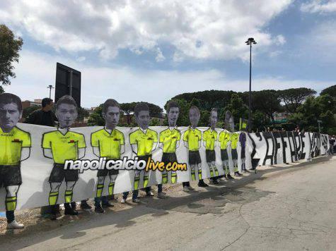 Napoli-Torino, striscione tifosi contro la Juve