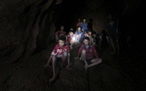 Bambini Thailandia grotta