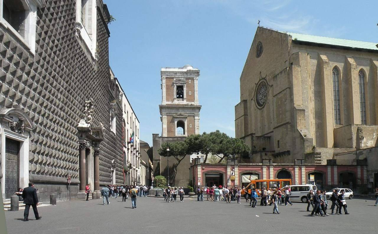 Piazza del Gesù Napoli Sardine