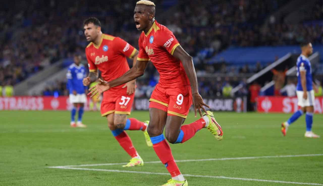 Osimhen esulta per il gol al Leicester