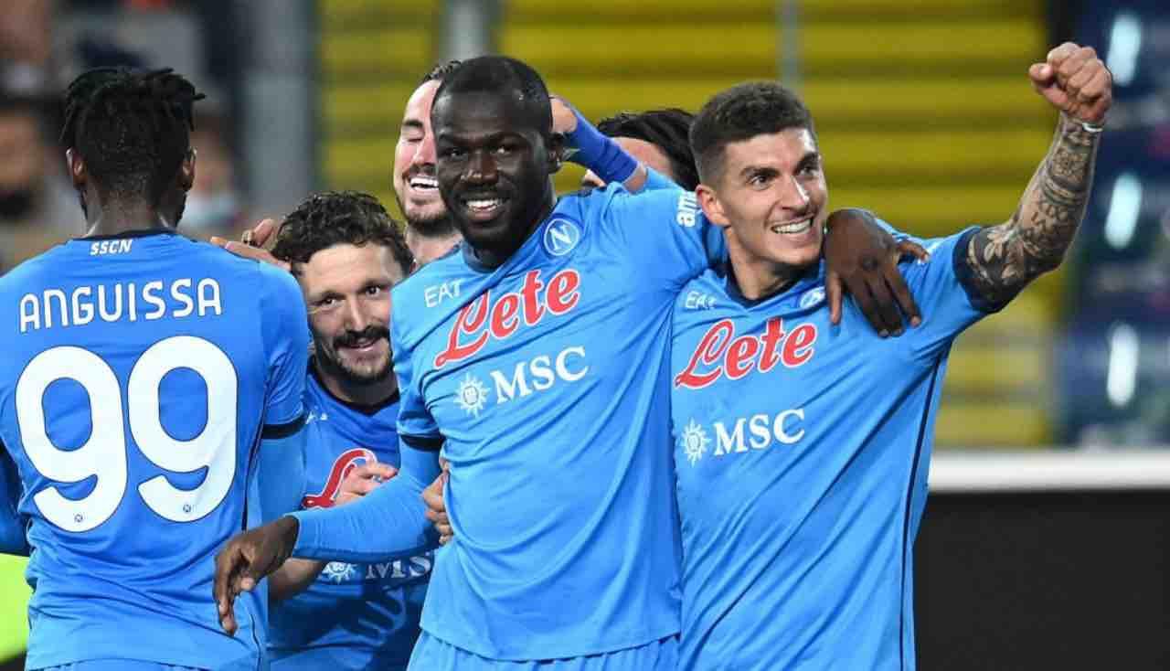Koulibaly esulta con Di Lorenzo in Udinese-Napoli
