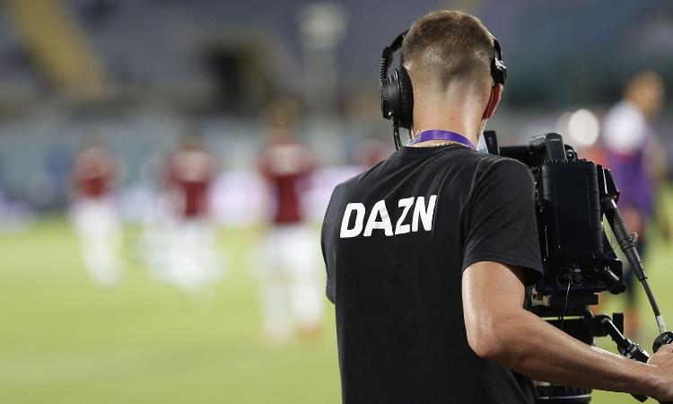 Operatore Dazn sul campo