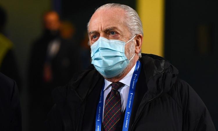 Aurelio De Laurentiis con la mascherina