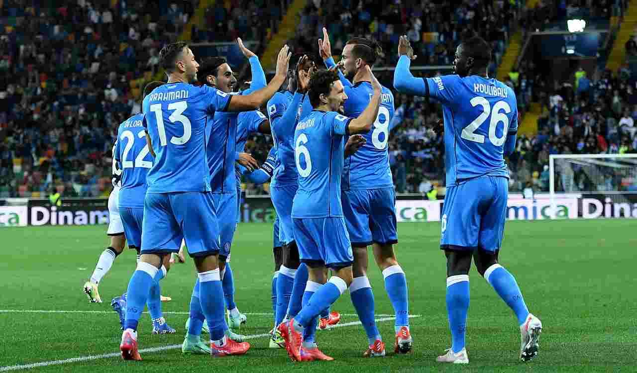 Napoli che esulta dopo il gol